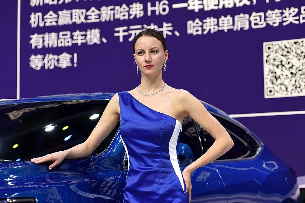 梦之工厂:香车美女汇集上海国际车展_图1-16