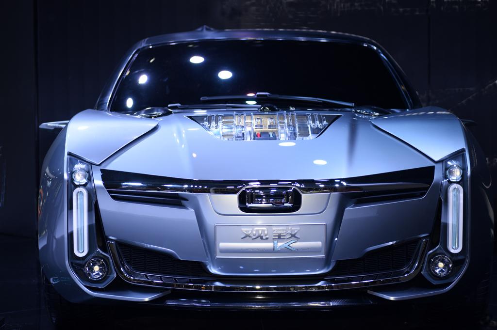 梦之工厂:香车美女汇集上海国际车展_图1-19
