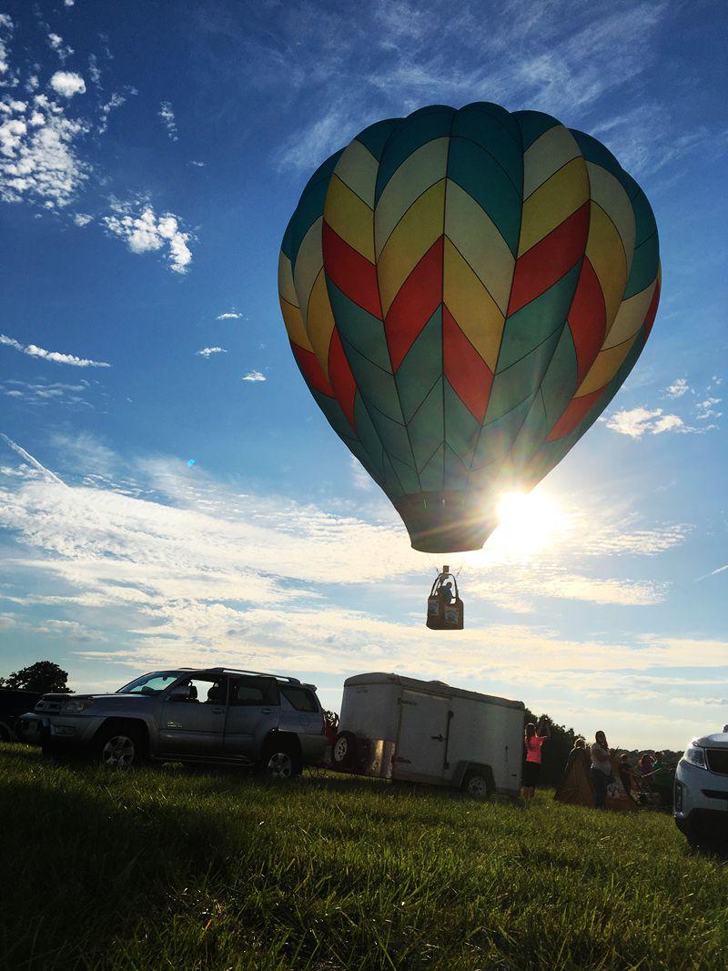 丰收后的放飞——莫斯比热气球节_图1-21