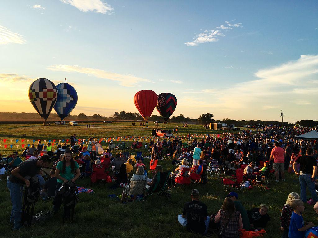 丰收后的放飞——莫斯比热气球节_图1-23