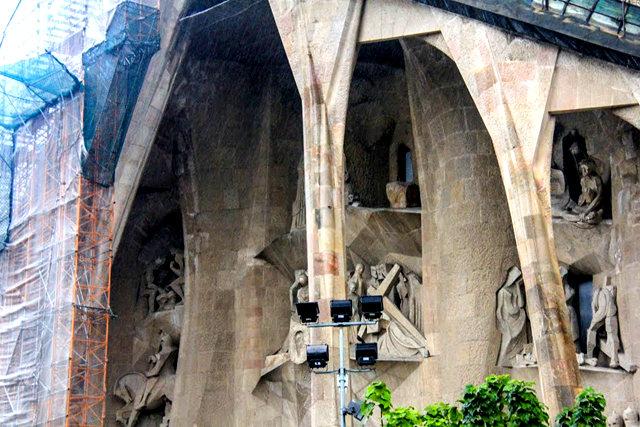 巴塞罗那圣家大教堂_图1-9