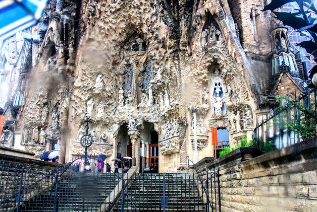 巴塞罗那圣家大教堂_图1-12