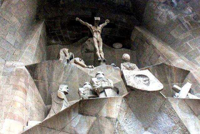 巴塞罗那圣家大教堂_图1-15