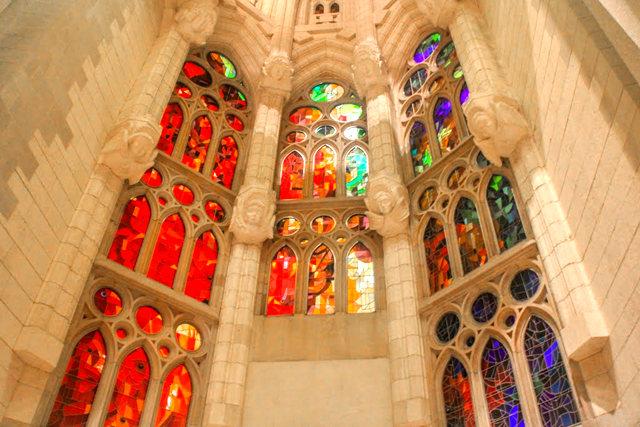 巴塞罗那圣家大教堂_图1-36