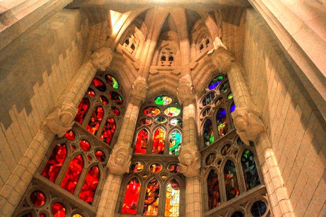 巴塞罗那圣家大教堂_图1-37