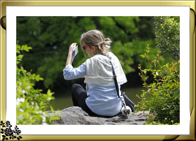 中央公园初夏,树木茂盛,花卉盛开,风景优美,游客兴旺! ..._图1-14
