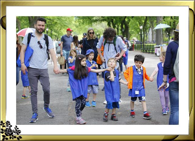 中央公园初夏,树木茂盛,花卉盛开,风景优美,游客兴旺! ..._图1-20