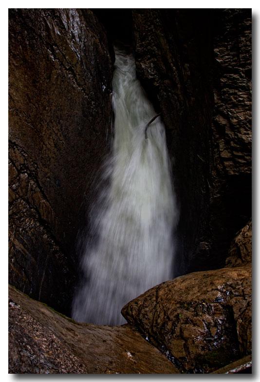 《酒一船摄影》:瑞士行-瀑布小镇劳特布伦嫩_图1-5