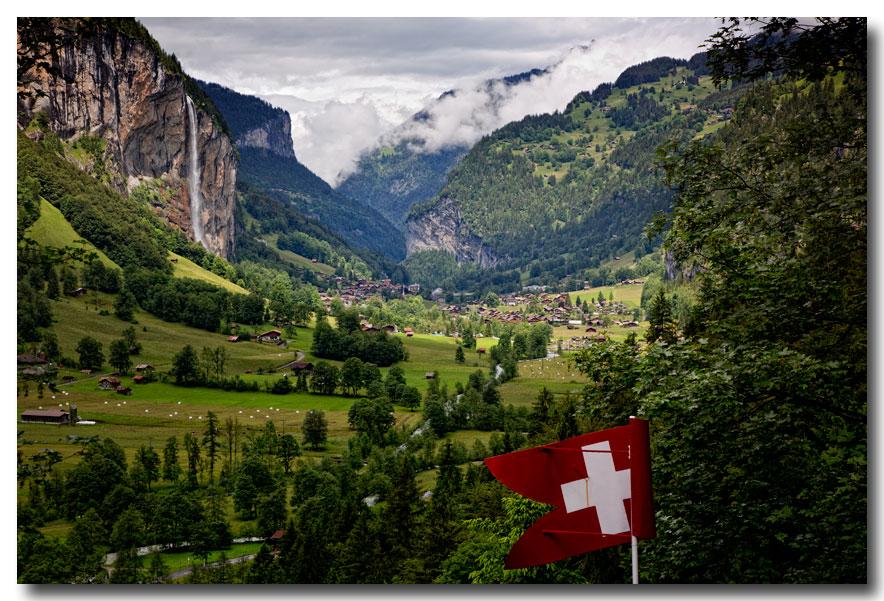 《酒一船摄影》:瑞士行-瀑布小镇劳特布伦嫩_图1-19