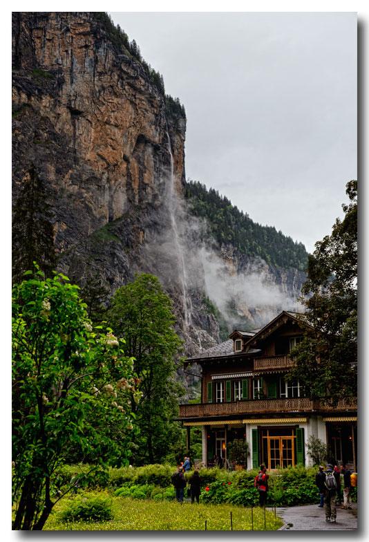 《酒一船摄影》:瑞士行-瀑布小镇劳特布伦嫩_图1-25