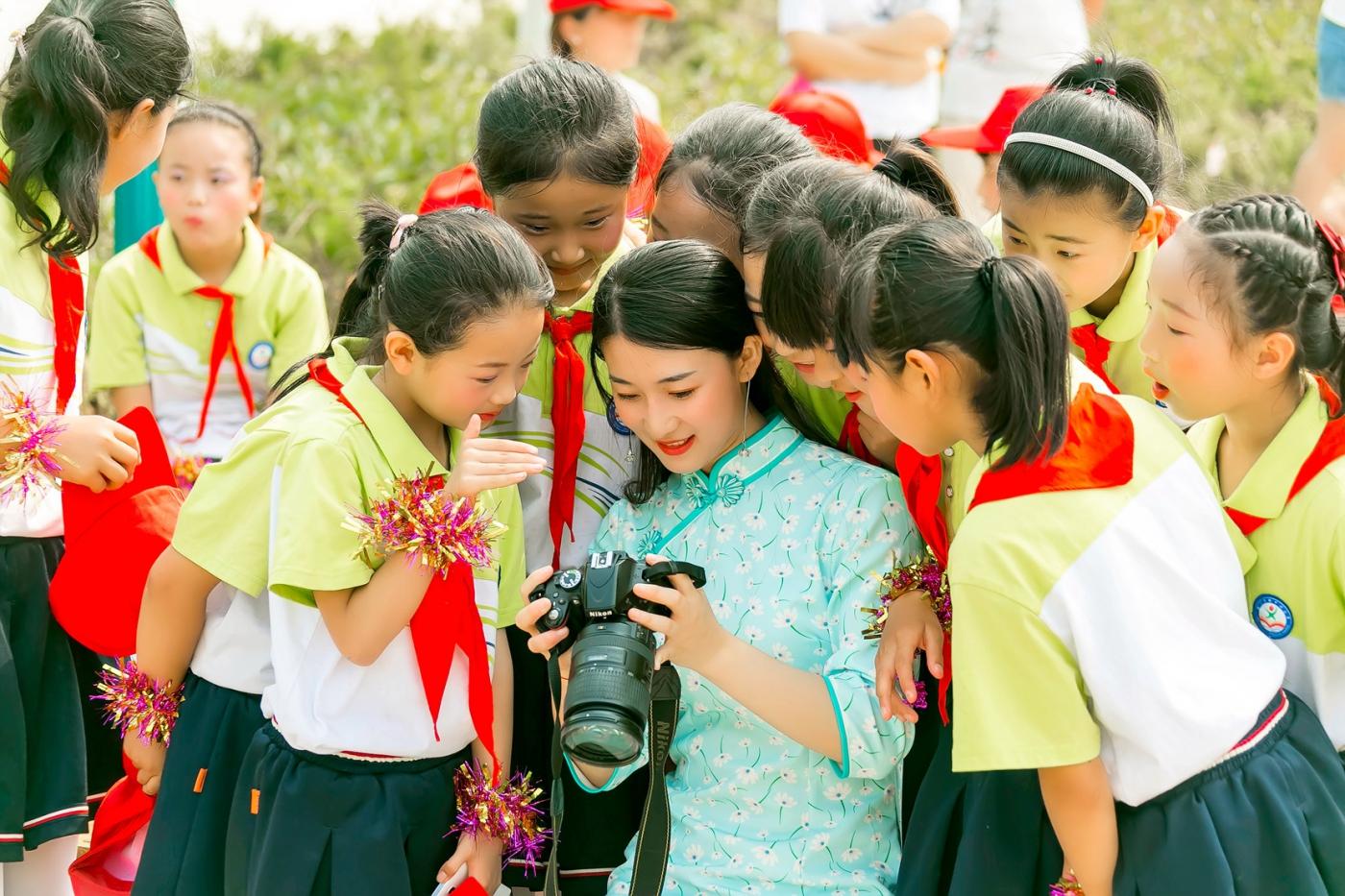 和偶遇的美丽乡村女教师一起过六一_图1-8