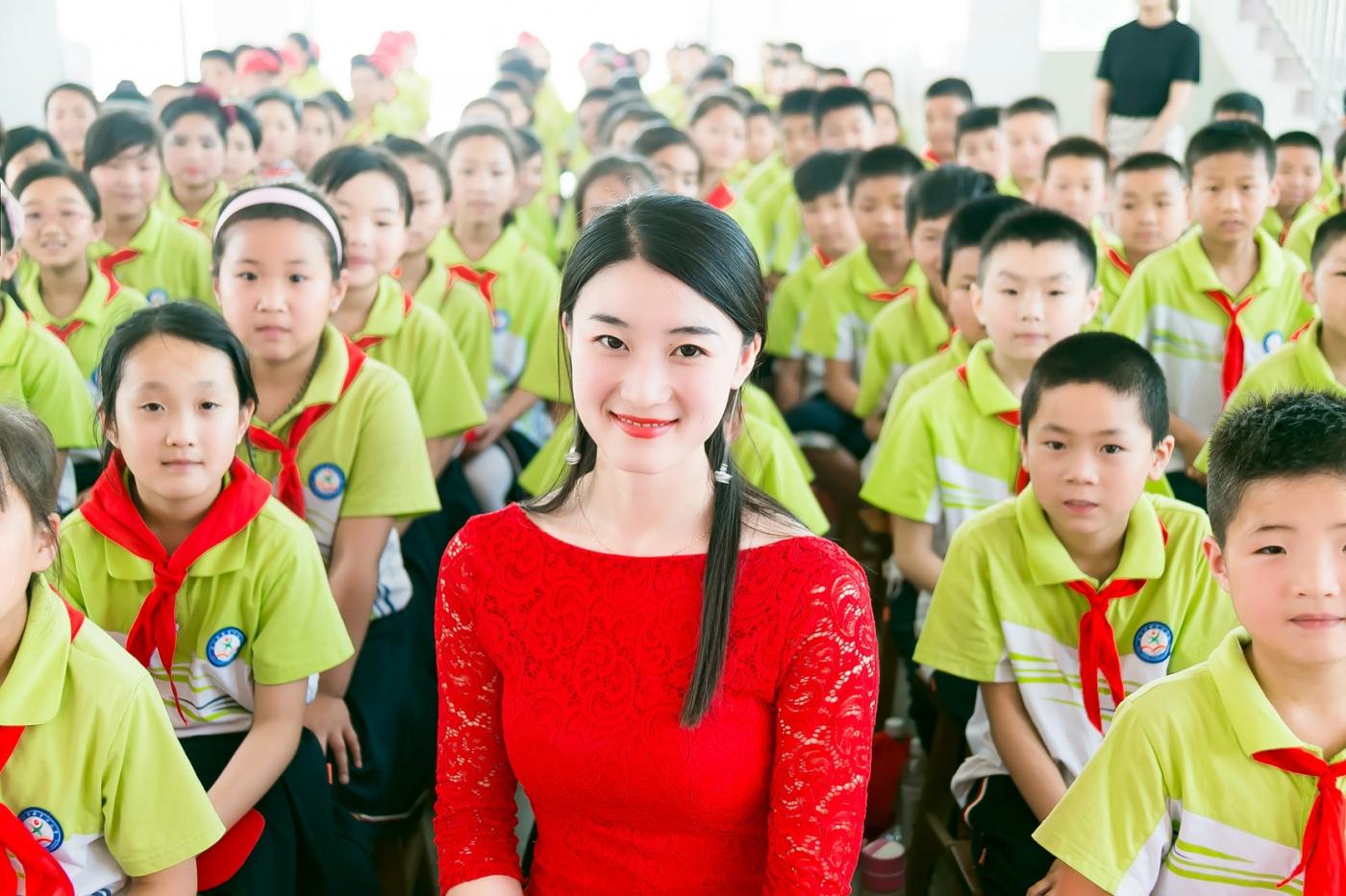 和偶遇的美丽乡村女教师一起过六一_图1-13