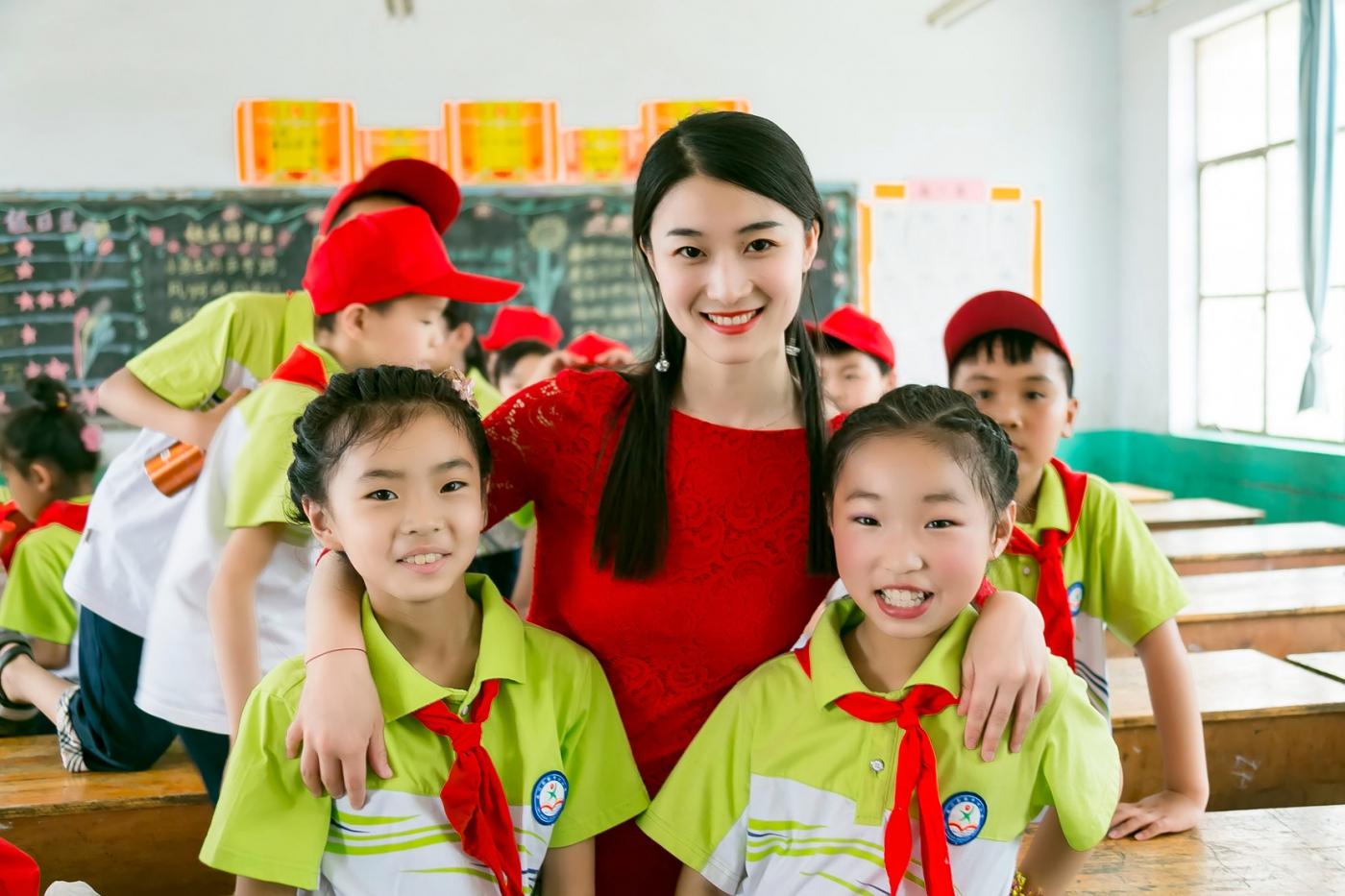 和偶遇的美丽乡村女教师一起过六一_图1-19