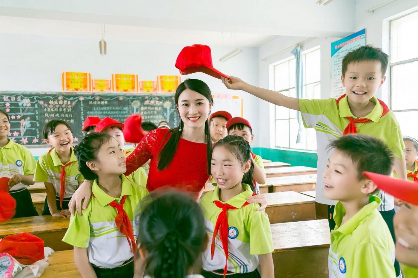 和偶遇的美丽乡村女教师一起过六一_图1-20