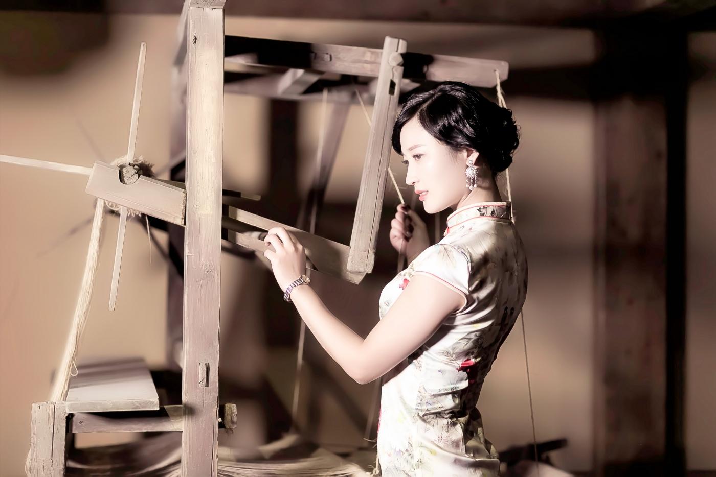 当临沂女孩孔孙懿凡遇到旗袍 一样会像王的女人一样高贵典雅 ..._图1-3