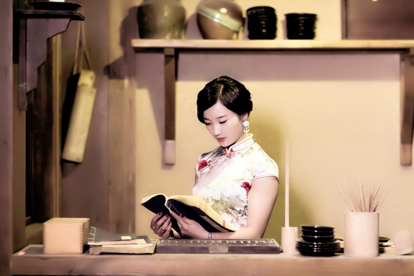当临沂女孩孔孙懿凡遇到旗袍 一样会像王的女人一样高贵典雅 ..._图1-4