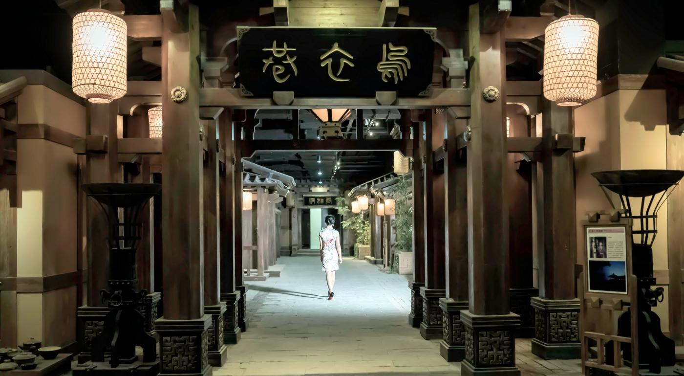 当临沂女孩孔孙懿凡遇到旗袍 一样会像王的女人一样高贵典雅 ..._图1-5