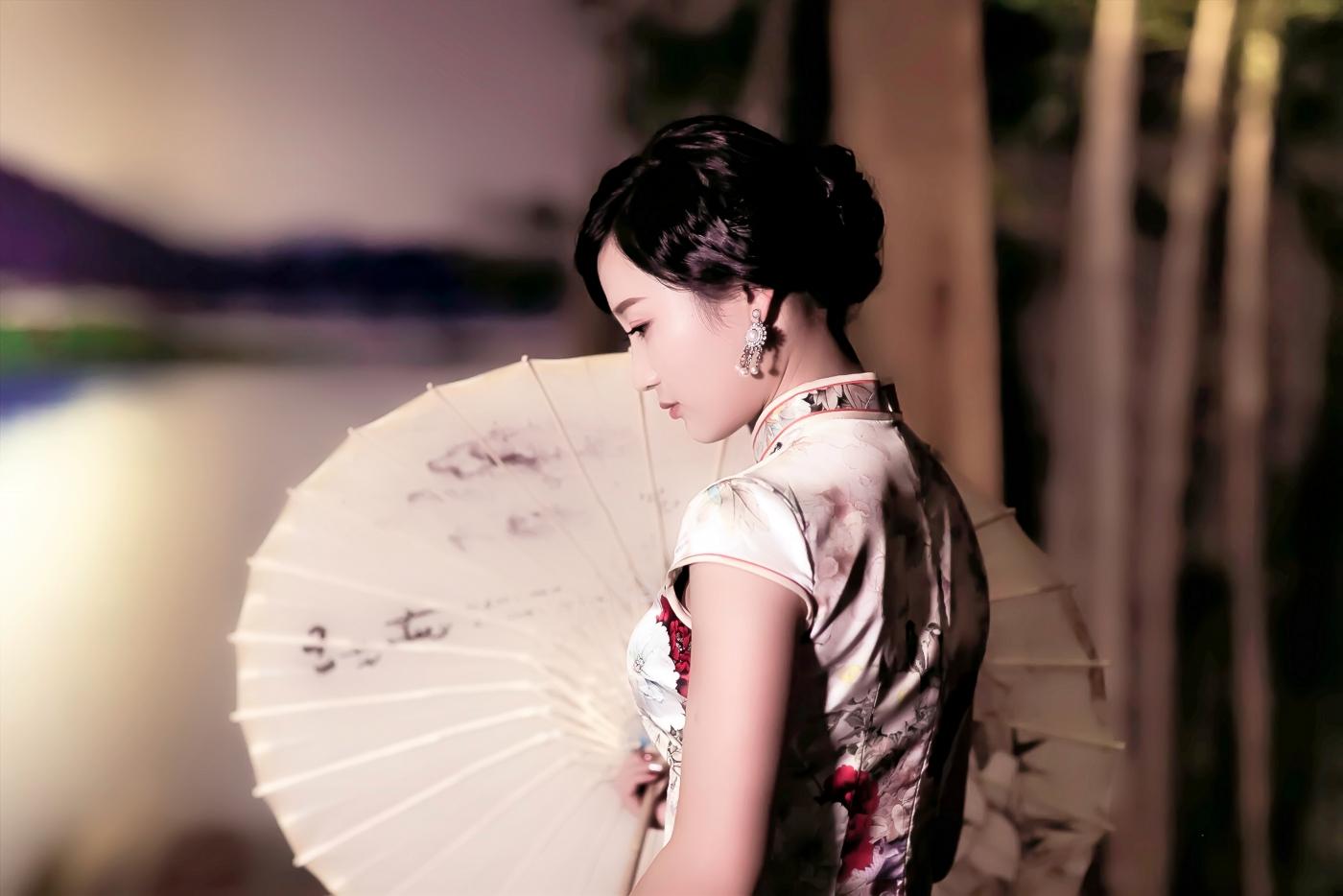 当临沂女孩孔孙懿凡遇到旗袍 一样会像王的女人一样高贵典雅 ..._图1-6