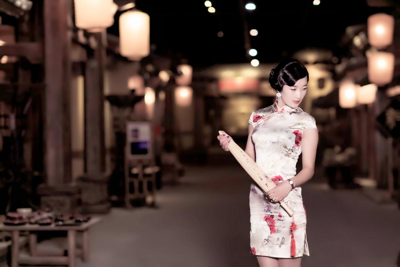 当临沂女孩孔孙懿凡遇到旗袍 一样会像王的女人一样高贵典雅 ..._图1-15