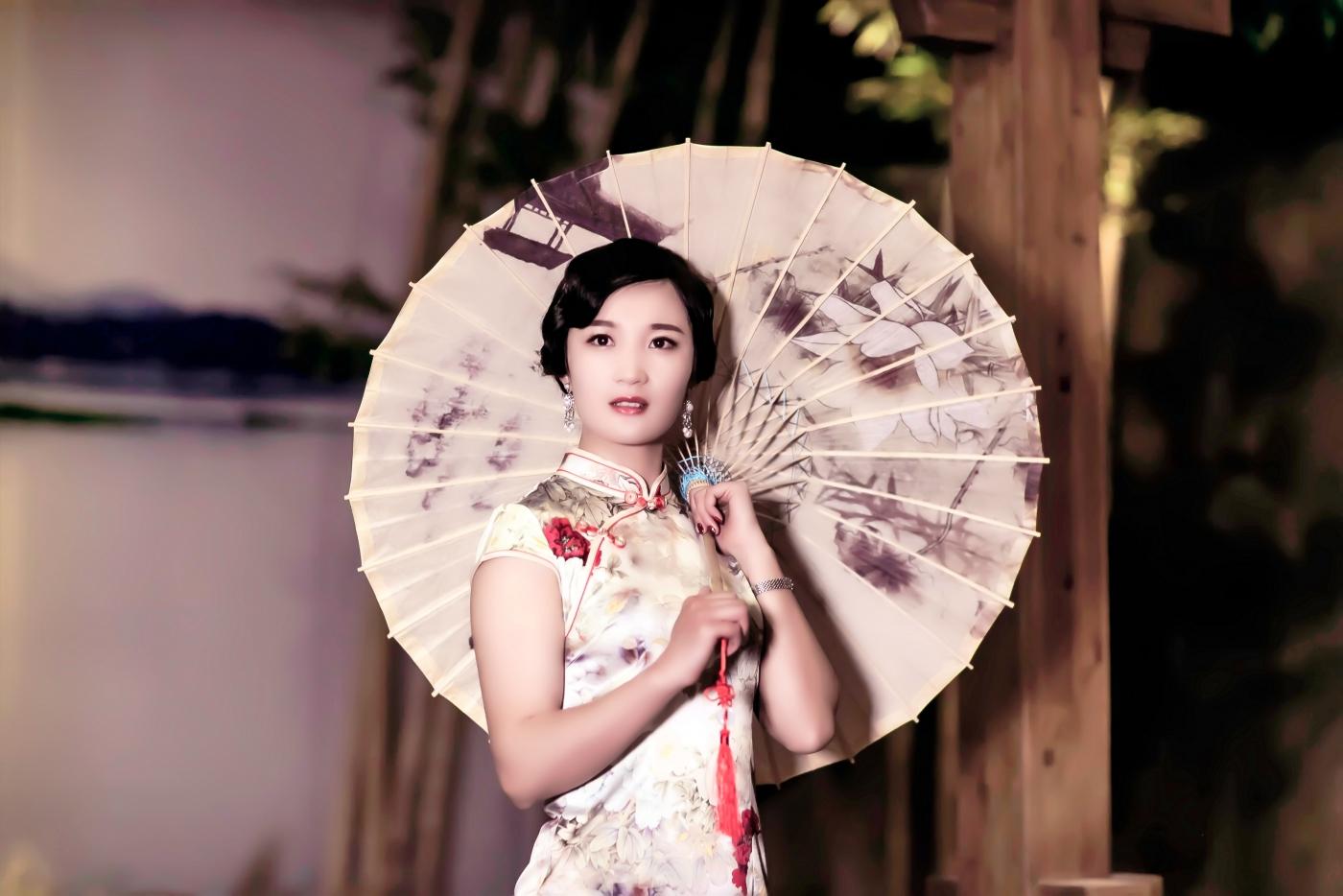 当临沂女孩孔孙懿凡遇到旗袍 一样会像王的女人一样高贵典雅 ..._图1-16