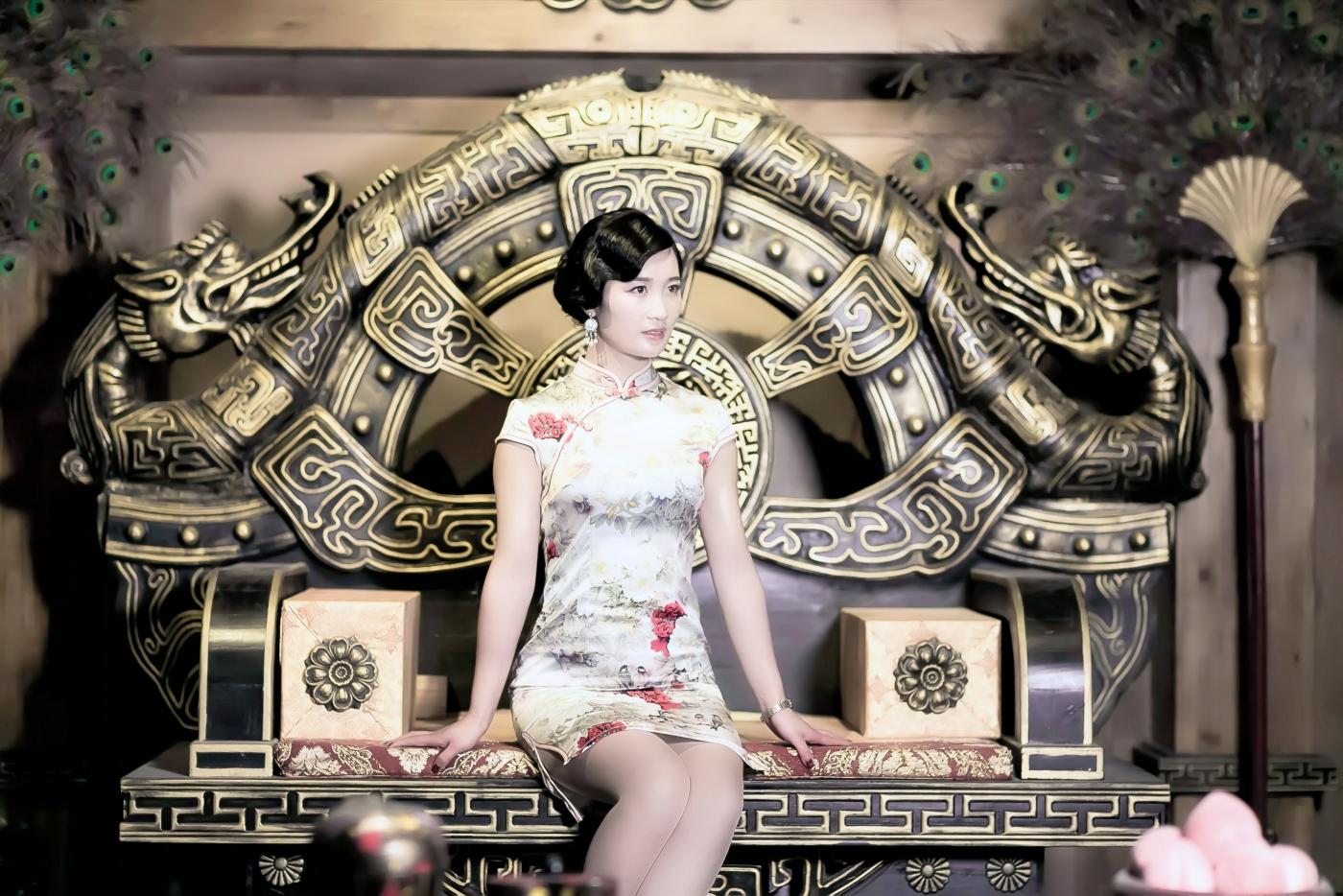 当临沂女孩孔孙懿凡遇到旗袍 一样会像王的女人一样高贵典雅 ..._图1-22