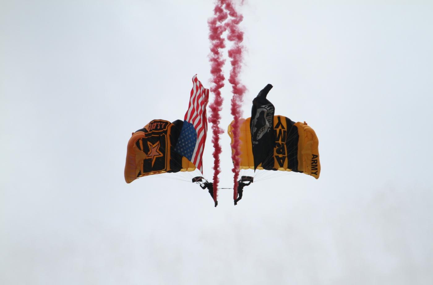 【田螺摄影】2017琼斯航空秀、跳伞、雷鸟、救援_图1-2