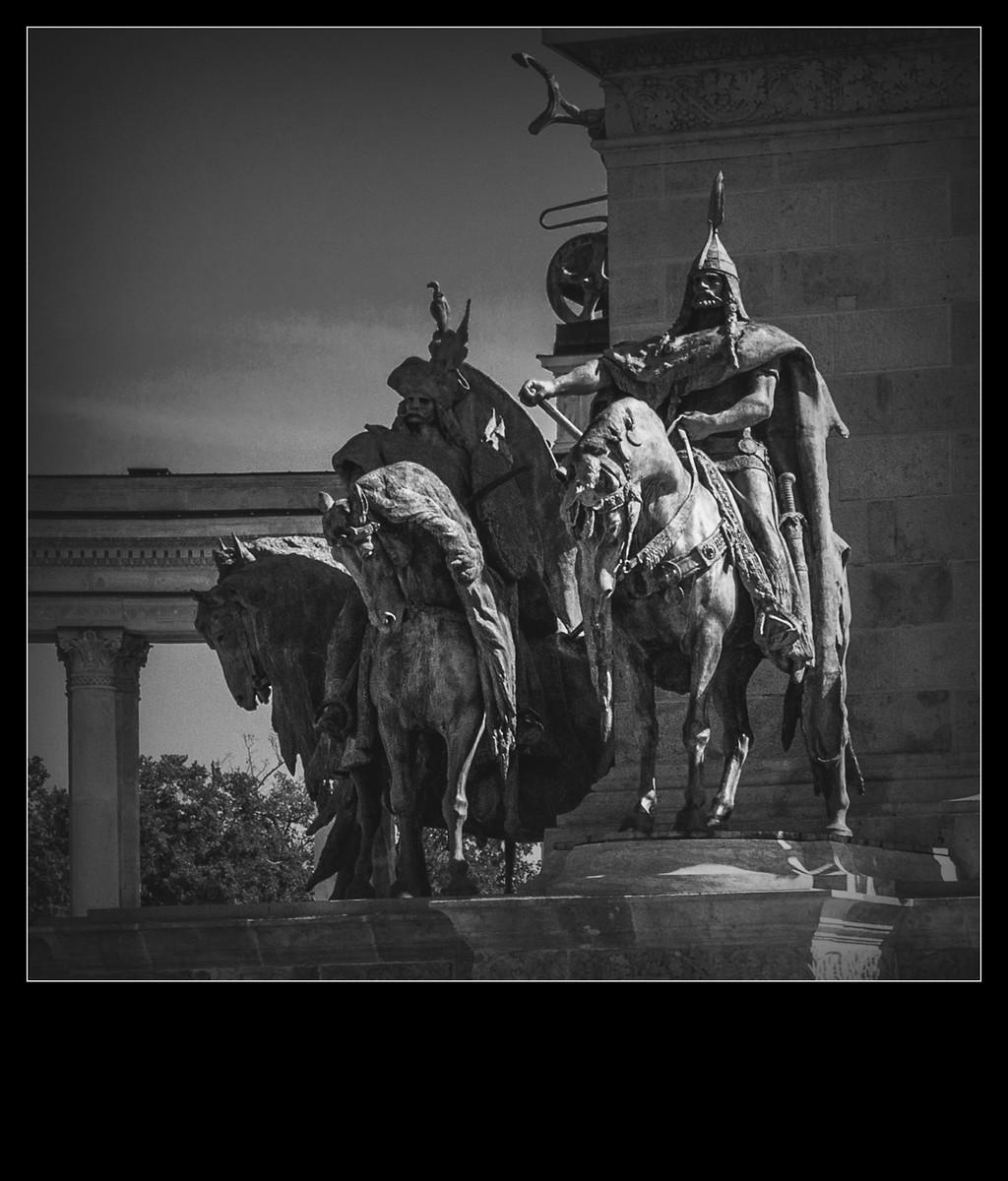 布达佩斯英雄广场的那些英雄们_图1-3