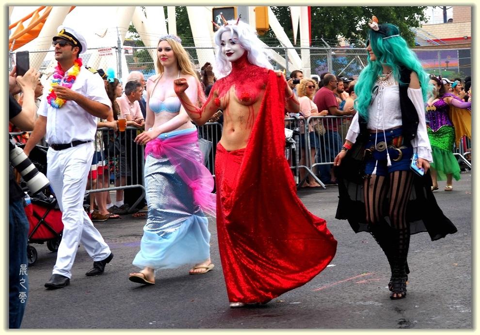 纽约科尼岛美人鱼游行随拍 (Coney Island Mermaid Parade)_图1-4
