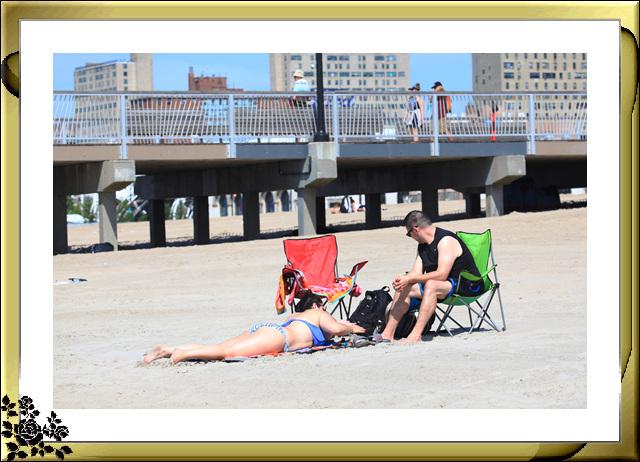纽约康尼岛海滩夏日风情_图1-3