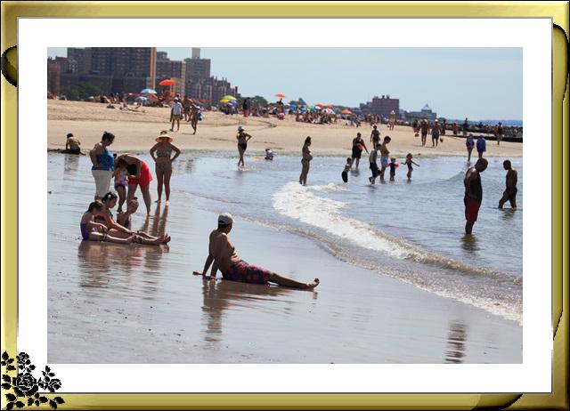纽约康尼岛海滩夏日风情_图1-19