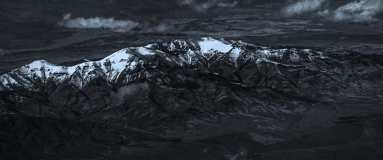 雪山林立,来自高空摄影_图1-2
