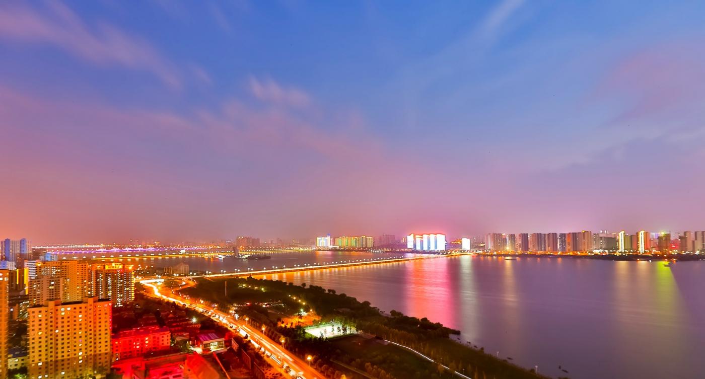 临沂暴雨以前的那个夜晚 从河东看临沂是这个样子的_图1-4