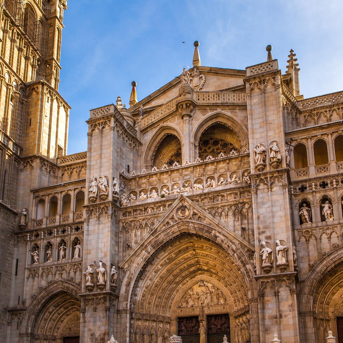 西班牙小鎮的古建築,走近看一看_圖1-3