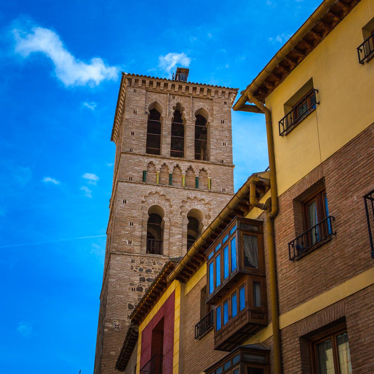 西班牙小鎮的古建築,走近看一看_圖1-2