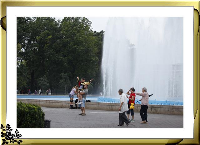 法拉盛可乐娜公园地球仪喷水池风光_图1-11