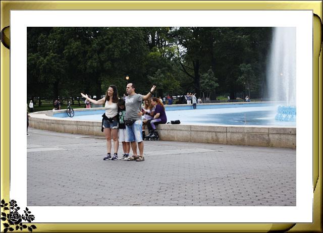 法拉盛可乐娜公园地球仪喷水池风光_图1-10