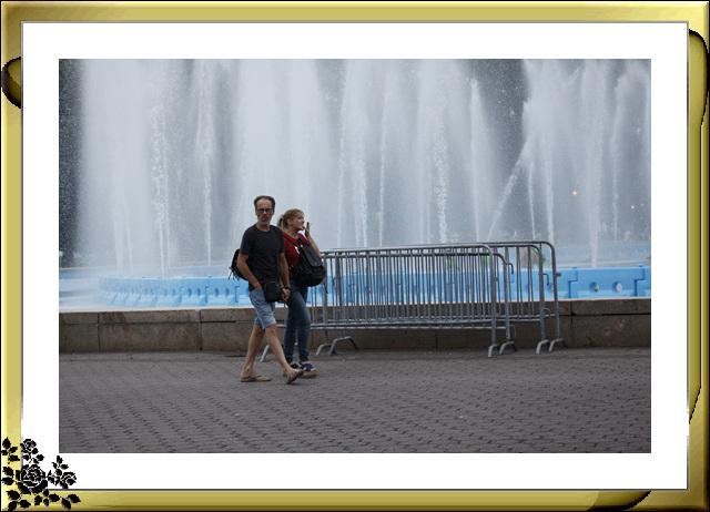 法拉盛可乐娜公园地球仪喷水池风光_图1-13