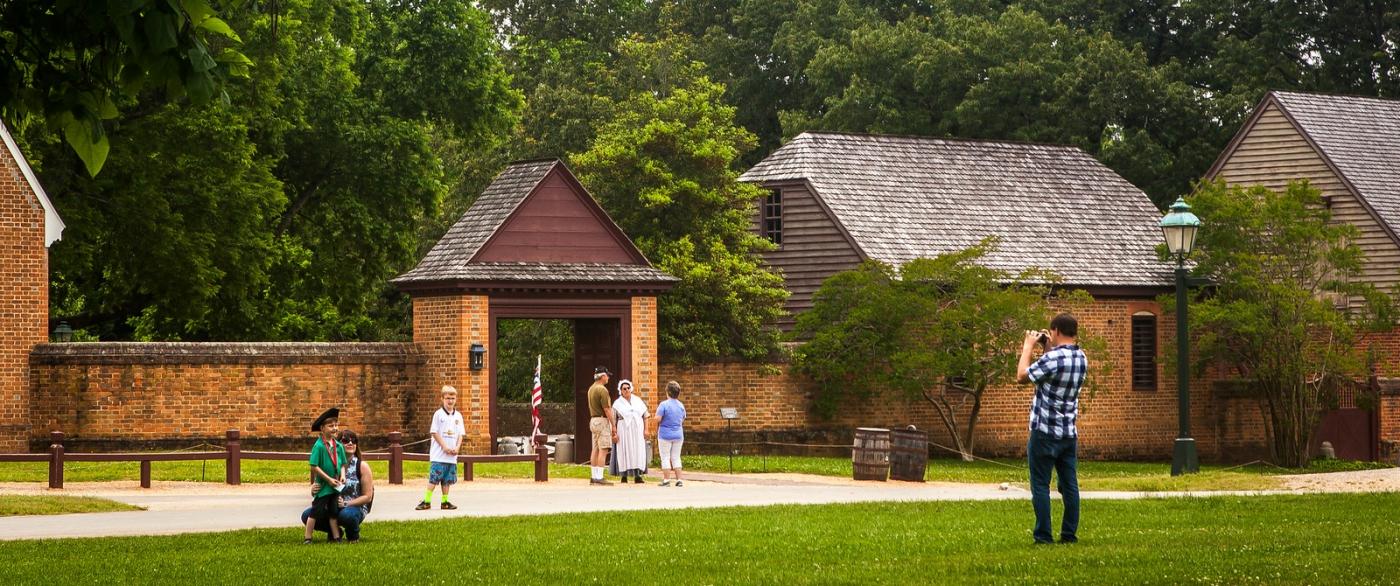 威廉斯堡,在美国最早的英国殖民地_图1-10