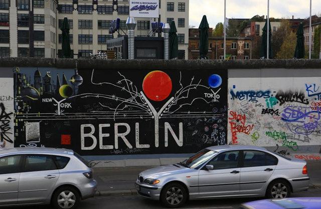 柏林墙壁画_图1-2