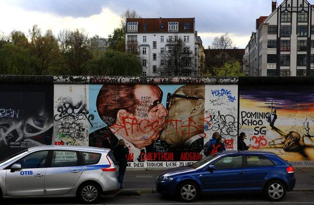 柏林墙壁画_图1-3