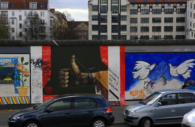柏林墙壁画_图1-5