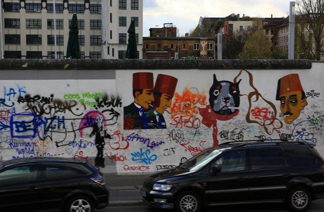 柏林墙壁画_图1-7