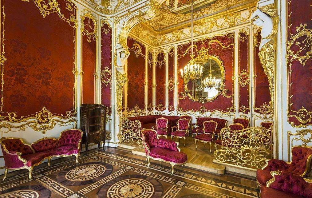 【(三)冬宫--俄罗斯帝国辉煌的宫殿】_图1-2