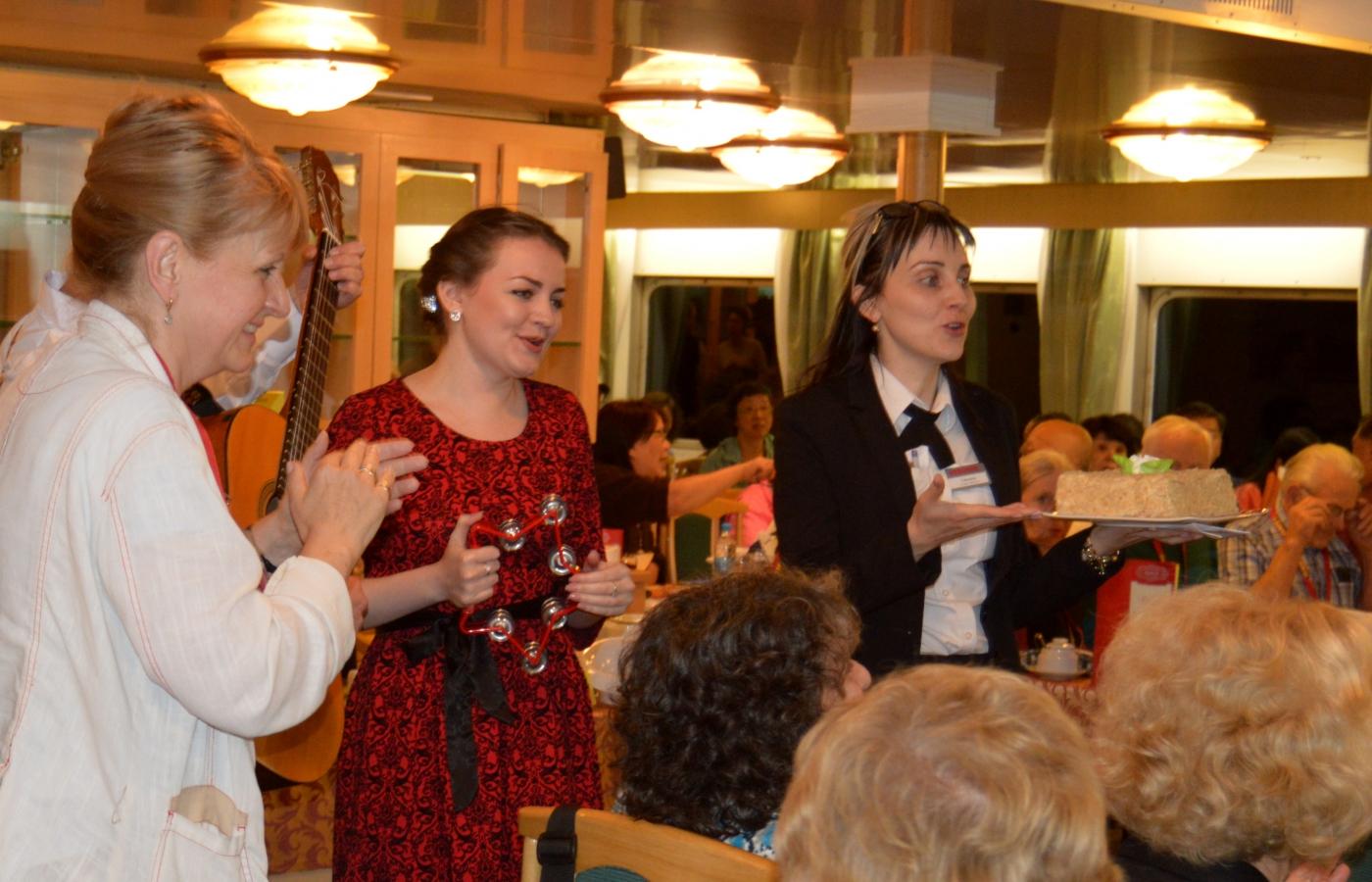 从圣彼得堡到莫斯科的内河游船_图1-11