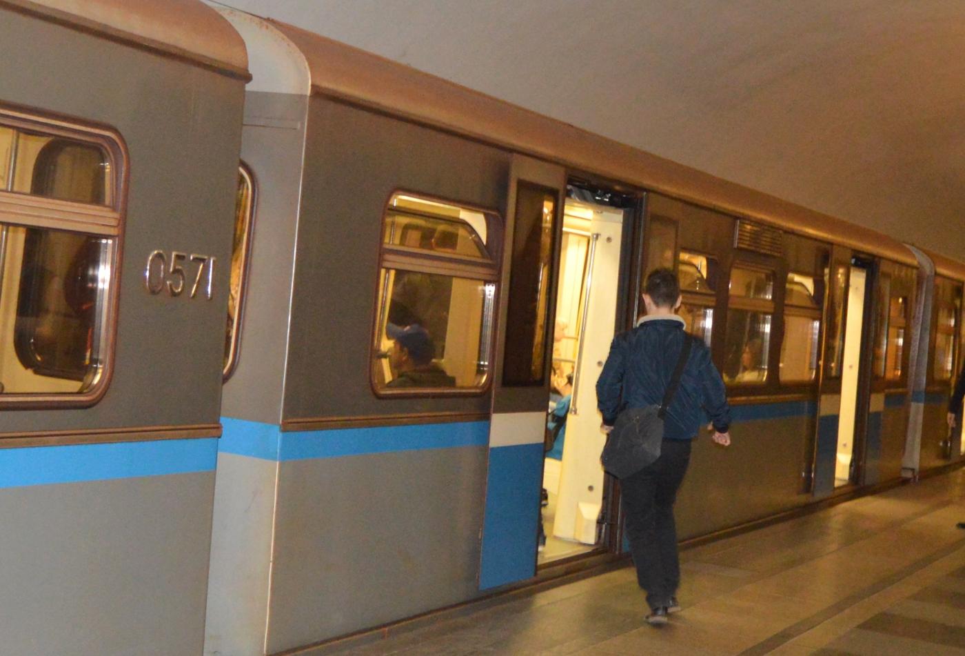 参观莫斯科地铁_图1-4