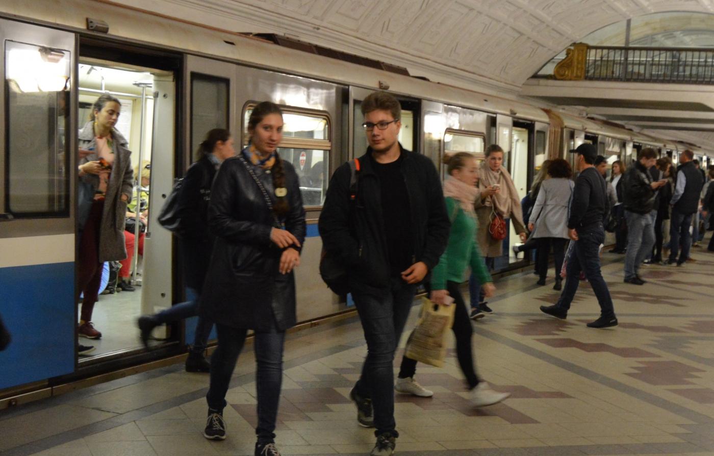 参观莫斯科地铁_图1-6