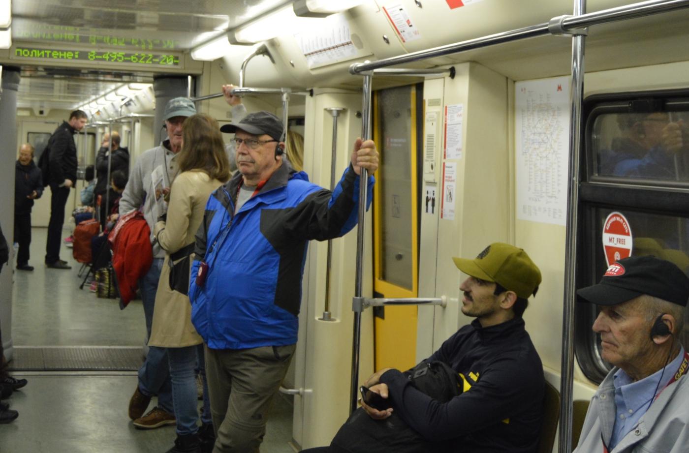 参观莫斯科地铁_图1-8