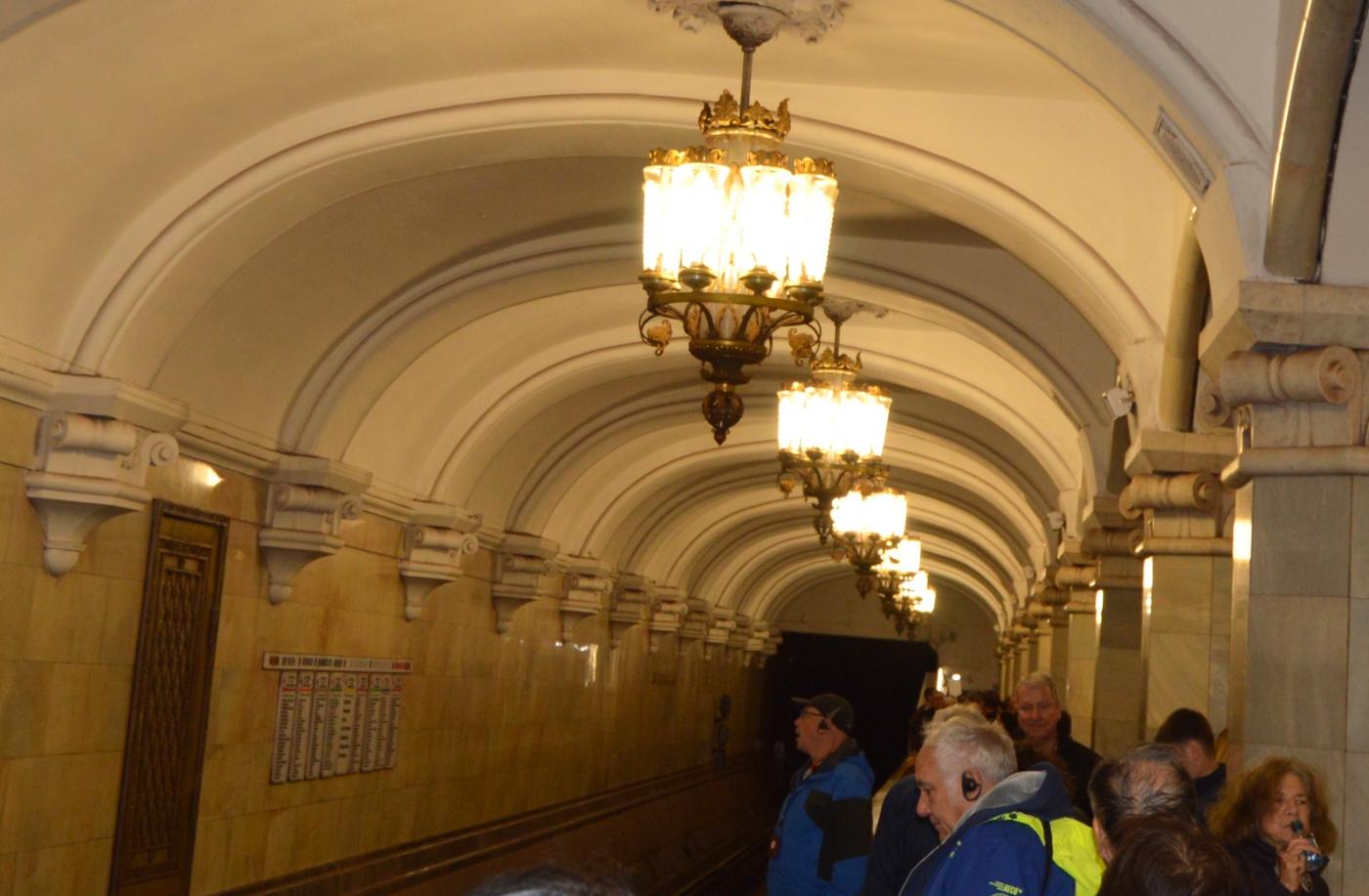 参观莫斯科地铁_图1-11