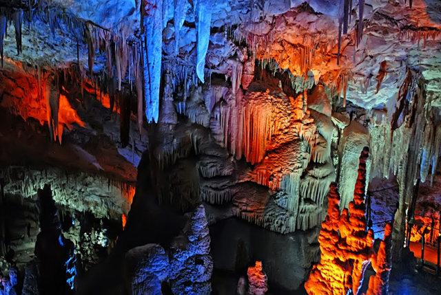 钟乳石洞穴自然保护区_图1-14