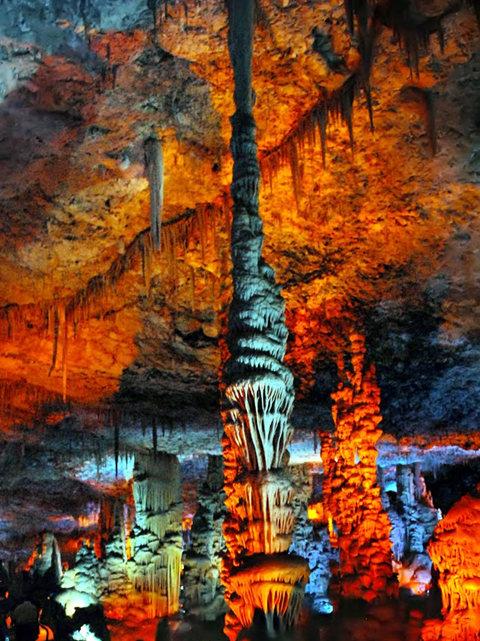 钟乳石洞穴自然保护区_图1-19
